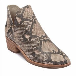 Dolce Vita Snake bootie BRAND NEW